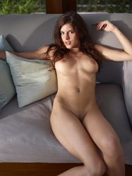 Candice-Beauty-Icon-c57hi792x4.jpg